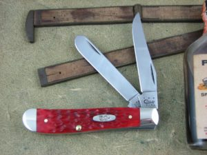 Case XX Dark Red Bone CV Mini Trapper