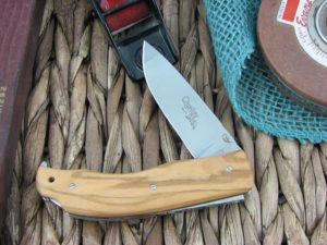 Viper Knives Quality Drop Point Olive Wood handles N690 steel Polished 5500UL