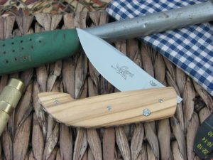 Viper Cutlery Gent Drop Point Olive Wood handles N690 steel Satin 5760UL