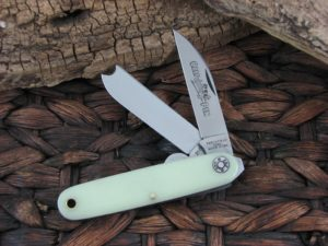 Great Eastern Cutlery Farm and Field Calf Pen with NifeBrite Acrylic handles 350217