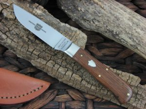 Great Eastern Cutlery Canoe Hunter with American Chestnut handles H732