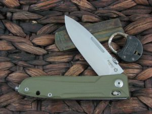 Lion Steel Big Daghetta with Green G10 handles 8710GR