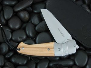 Viper Cutlery Novis with Olive Wood handles V5974UL