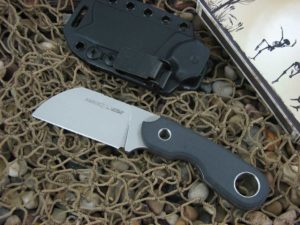 Viper Cutlery Berus2 with Black Canvas Micarta handles