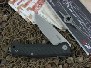lionSteel Cutlery MYTO with Carbon Fiber handles MT01CF